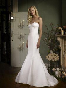 strapless sweetheart mermaid wedding gown