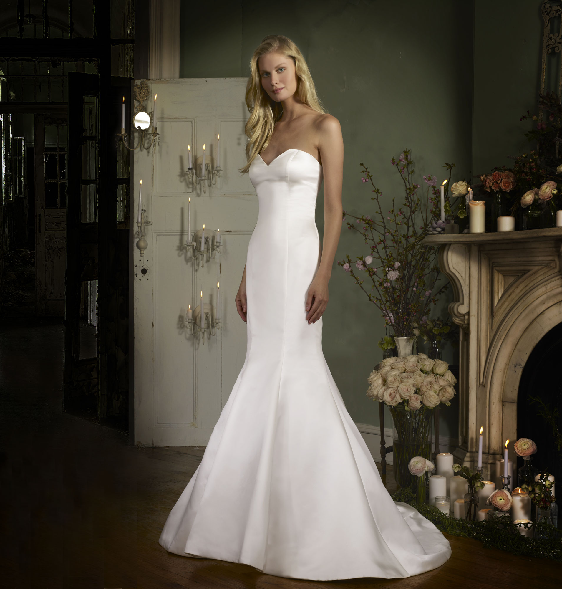 strapless sweetheart mermaid wedding gown